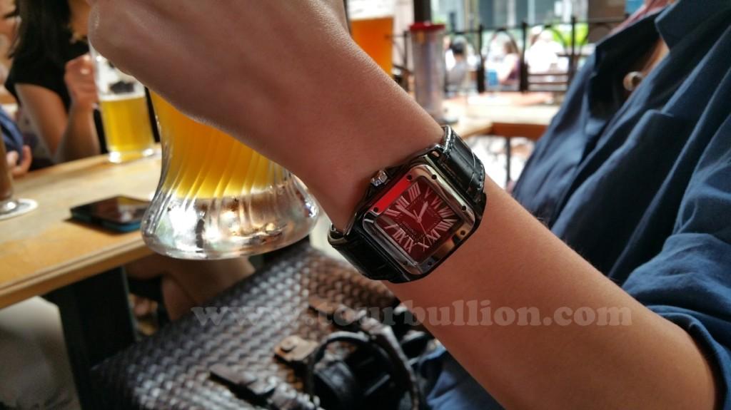 adlc_cartier_santos_100_wrist_up